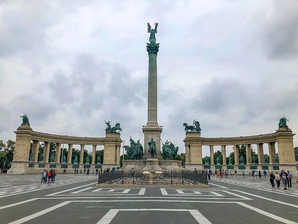 Heroes Square in Budapest 4 days itinerary