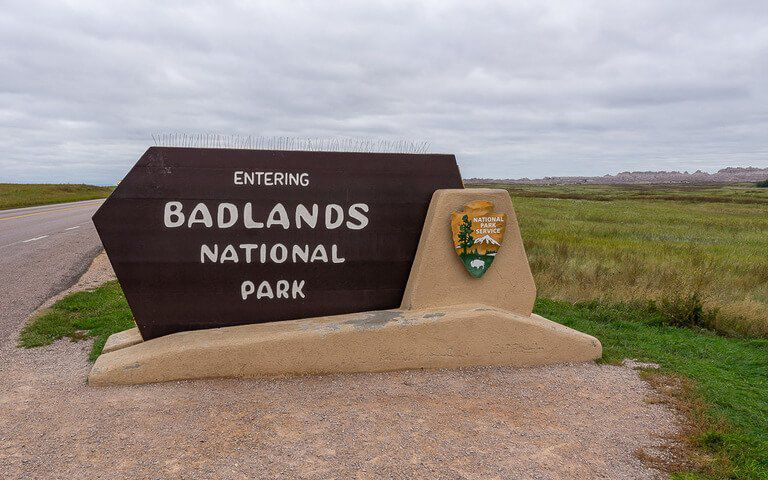 Entering Badlands national park sign