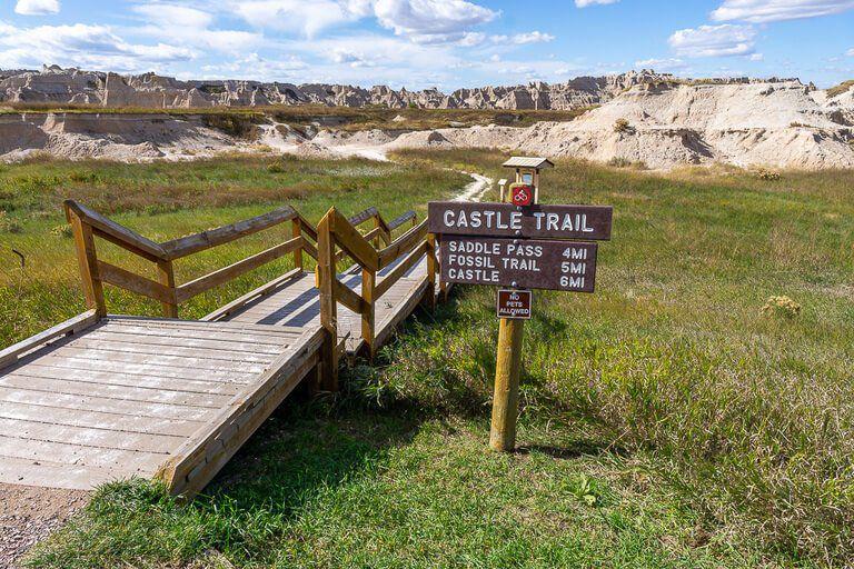 Castle trail begins on the Eastern side of Badlands