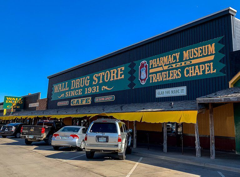 Wall drug store from the outside and car park