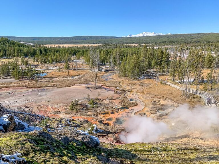 Artist's Paintpot Viewpoint over yellowstone national park with mountain and forest