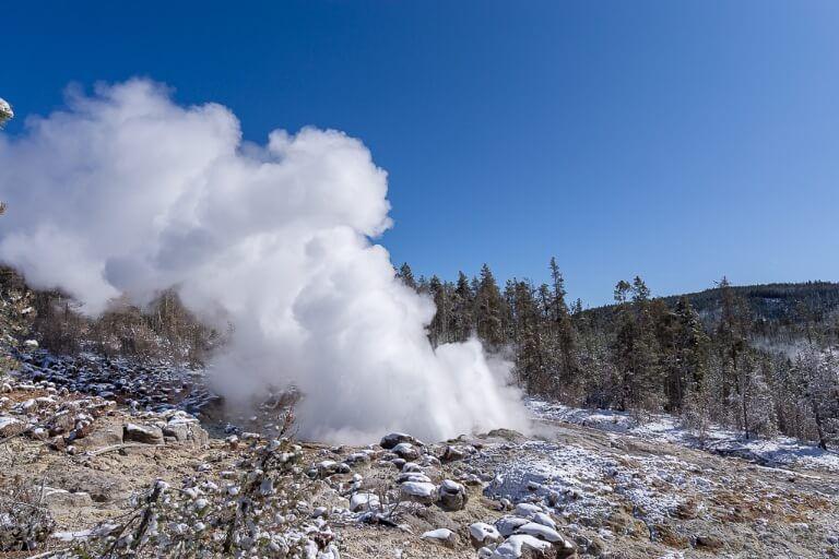 Steamboat geyser yellowstone 4 days itinerary