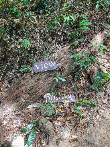 Viewpoint sign broken in half on Koh Adang hike