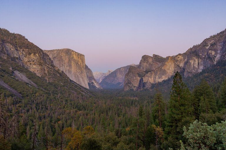 Yosemite Photography Tunnel View at dusk just after sunset with purple and blue in the sky stunning photographs of Yosemite National park