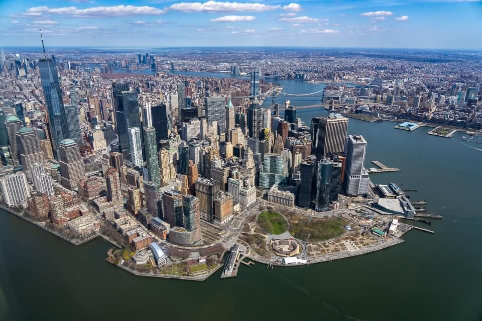 NYC helicopter ride over Manhattan skyline Heli NY downtown landmarks awesome New York City tour