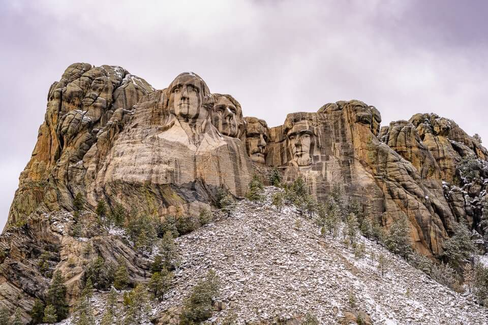 Mount Rushmore grey on a cloudy day