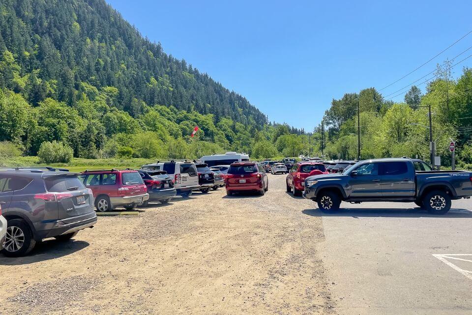Main parking lot for chirico trail hike near seattle washington