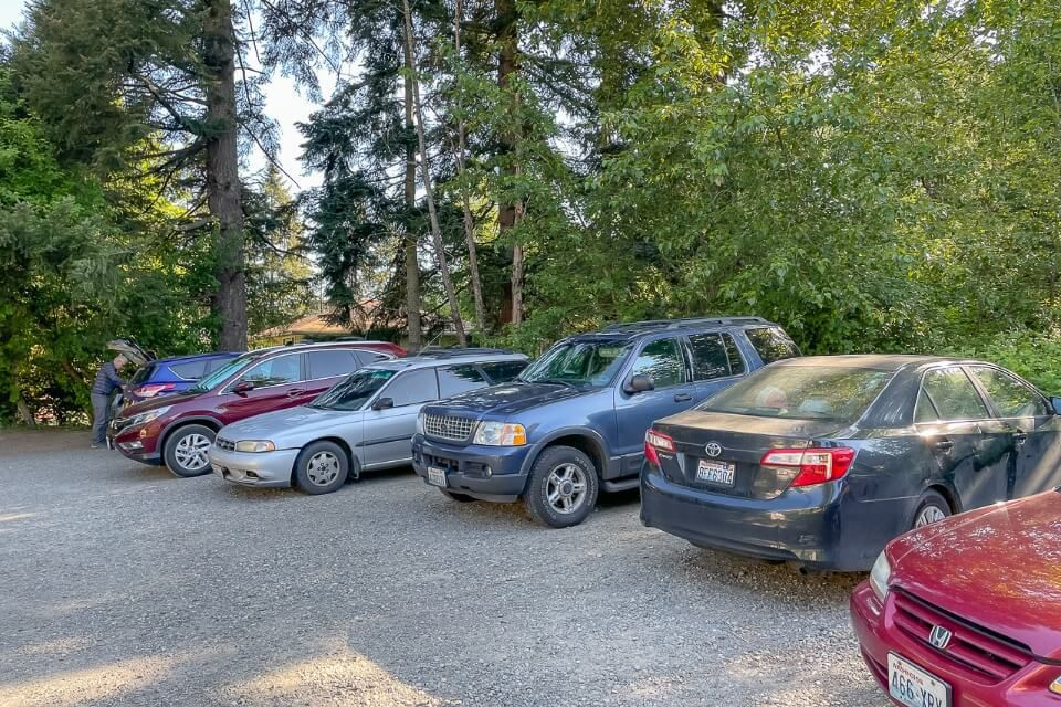 Tiny parking lot for poo poo point trail Issaquah high school near seattle washington