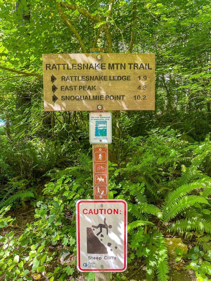 Rattlesnake Ledge Trail Washington Distance Sign 1.9 miles to the viewpoint lower ledge