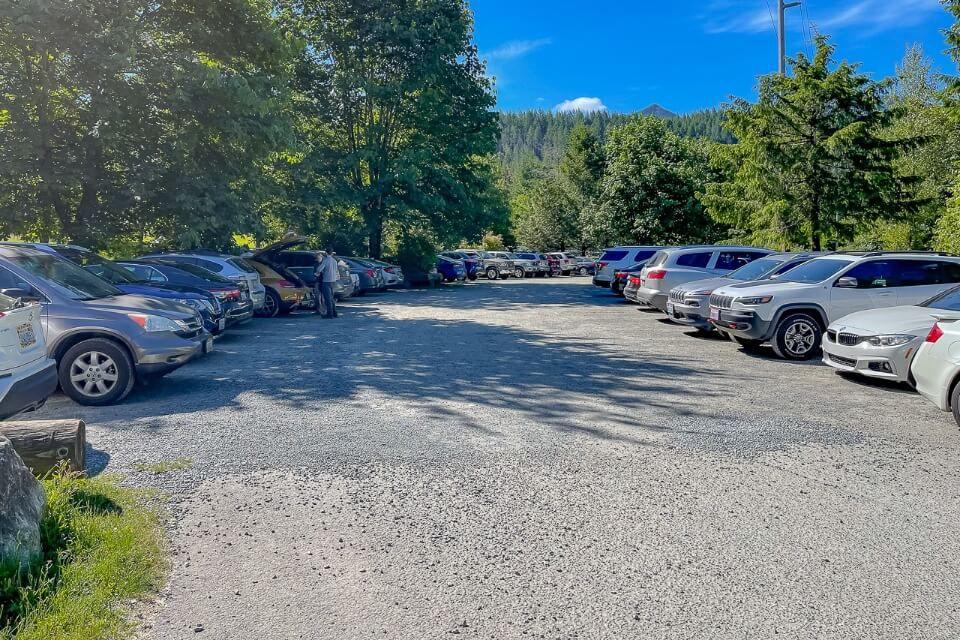 Parking lot for a popular hike near Seattle Washington