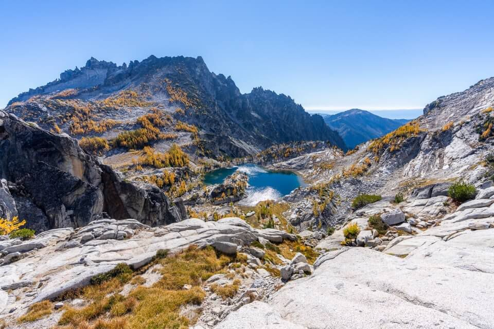 Stunning view over Crystal Lake in middle enchantments