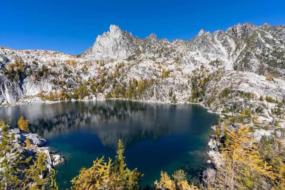 Lake Viviane the lower enchantments beautiful lake with granite walls surrounding incredible hiking trail in washington